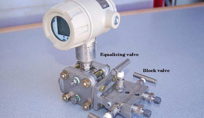 What is valve manifold? – 3 valve and 5 valve manifolds